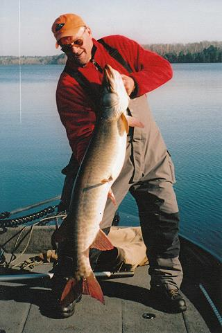 muskie_fishing_guide_hayward_wisconsin_1
