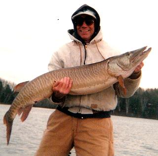 muskie_fishing_guide_hayward_wisconsin_2
